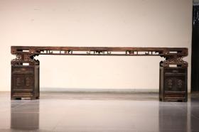 【官器】乾隆,榉木架几案。长305,宽36,高94运费自理