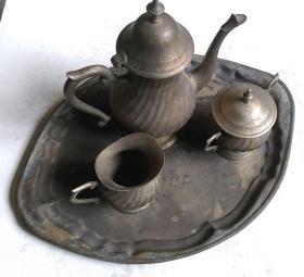 """民国时期外国制造""""酒壶、杯、盘""""等铜镀银器4件套"""