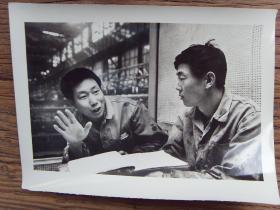 1982年,北京首钢--- 初轧厂轧钢工曾大福