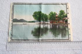 中国杭州华美丝织厂监制西湖平湖秋月, 尺寸为整件尺寸为30.1cmX20.4厘米