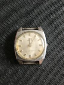 海鸥女士手表   需修理
