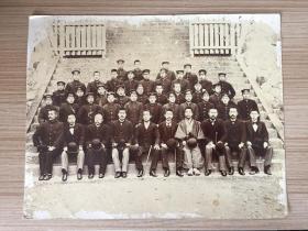 明治時期(清末)日本《青年學生和老師合影》照片一大張