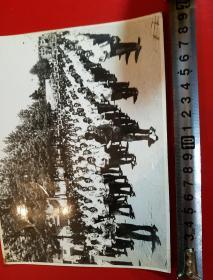 1969年,昆明市工农兵学商举行大型游行集会,庆祝党的