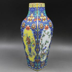 雍正珐琅彩描金花纹花瓶