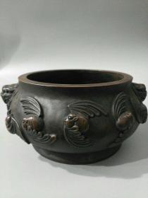 旧藏红铜双狮五福临门香炉一件  品相完美  包浆好,重量:大约5.5斤 尺寸 高10公分,宽23.5公分,内径13公分