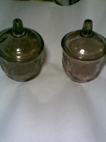囍字老玻璃杯(双喜龙凤凹凸纹老玻璃罐。1套两个杯合售)