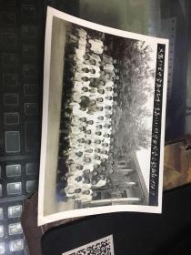 义乌卄三里中学高中高中部第二层高二〔2〕班毕业同学合影留念1972/7