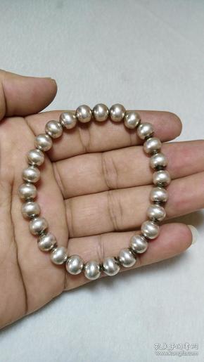 收钱币收的 银珠子手串 银质极好 包浆古旧 重10克左右