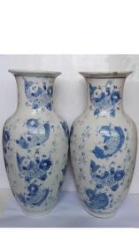 上世纪50--60年代;鲢年有鱼、水草纹---青花花瓶(低价惠让,一对和,售)