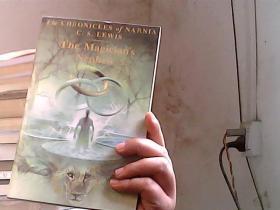 The Magicians Nephew, Full-Color Collectors Edition[纳尼亚传奇:魔法师的外甥]