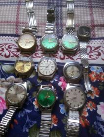 十块杂表一起走。10块杂七杂八牌子烂手表合售。一号箱!