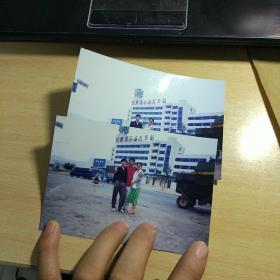 老照片两张:甘肃平凉汽车站
