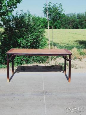 全品老榆木明式弯帐霸王帐画案~可做茶桌做工精细考究~简洁大气稳重~纹理清晰漂亮~年代感十足,长180cm,宽80cm,高85cm。