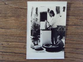 1984年,河南沁阳县五街村,农民也用上了洗衣机等高档电器