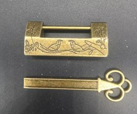 古玩杂项复古工艺纯铜做旧箱锁 柜锁  喜鹊登梅 小锁 铜锁