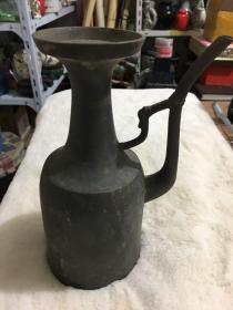 民国锡酒壶一把·  高22厘米 宽13厘米 品好, 重715克,