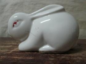 小白兔储蓄罐