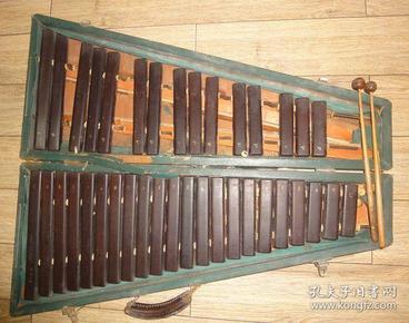 早期中国上海产37音红木《木琴》见描述