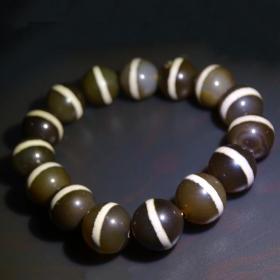 纯天然顶级西藏老佛珠老一线佛珠手链,回流过来的老珠子手链,品相罕见手串可遇不可求,收藏珍品