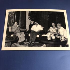 【老照片】毛泽东接见外国友人(卖家不懂照片,买家自鉴,售出不退)