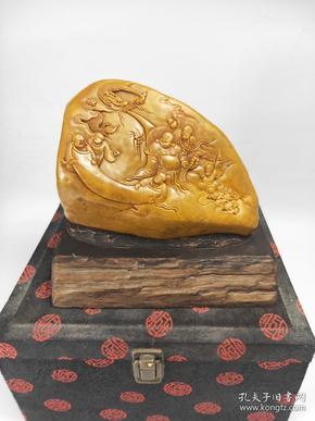 大件 拍品 原盒 壽山田黃石  , 雕工精細,質地結晶通透,密度高,色彩亮麗,老工老料,皮薄肉黃手感好 生動逼真,圖案清晰 升值空間大  值得收藏