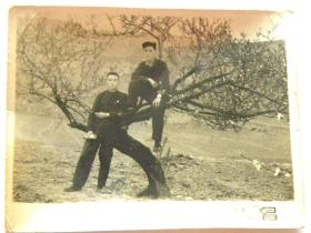 1958年561勘探队在太原市小窑头留念照