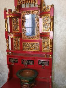 民国朱砂鎏金大漆彩绘镂空透雕艺术柜一台