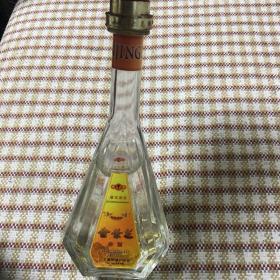 金景芝 金酒(2000年左右,金箔酒,市面少见,收藏价值高)【经典老酒】