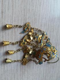 清代镶翠羽银鎏金花卉,提篮,及纯银蝴蝶头饰