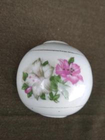 包老瓷质花卉物件