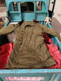 军品收藏65年军大衣一件