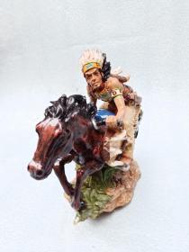 精美印第安人抽象雕像一件10112003