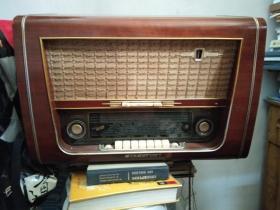 德国产STASSFURT 600型五波段电子管收音机