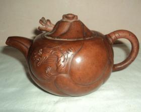 五六十年代老紫砂壶、【鱼化龙】、紫砂壶、品好完整、包浆漂亮。