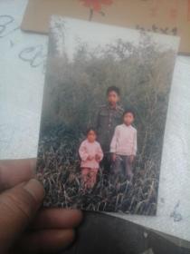 老照片  三个农村小孩合影