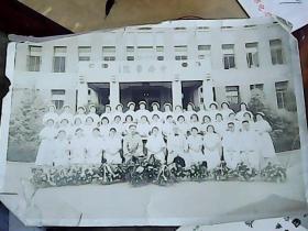民国照片  民国中央医院 集体照片  2张合售