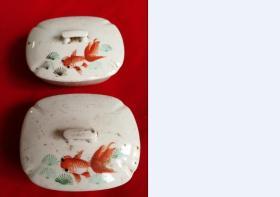特价文革手绘彩色玉藻图金鱼戏水图肥皂盒一对包老全品