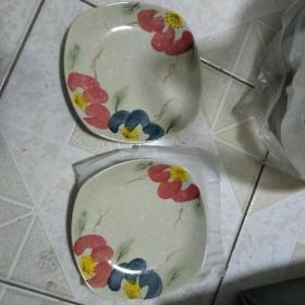 日本山田烧 手绘 釉下彩小盘一对    釉色细腻手绘精美 保真   实用收藏两相宜  保真!