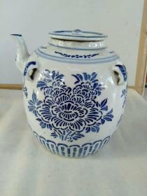 青花四系油罐(或茶壶) 【罐腹直径约19厘米、含嘴宽度21厘米、带盖高度约22厘米】