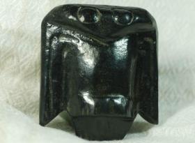 红山玉器红山文化黑皮玉鸟黑皮玉鸮神韵非常,远古黑皮玉器饱含沧桑之美难得一见收藏佳品