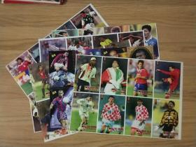 整版足球明星卡片7张(不重复,背面附明星介绍)【图片里有一张整版罗纳尔多的已卖,现只剩7张,原标价80元(8张)现在改为70元】