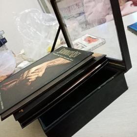 辛德勒的名单豪华精装,内含一本书+双碟