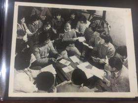 新华社老照片-上海市川沙县六里人民公社学习毛泽东思想