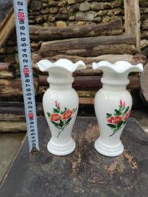 民国手绘白瓷薄胎花瓶一对