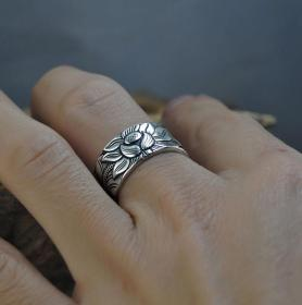 S999足银莲花心经戒指开口荷花戒指鬼斧神工,技艺精湛可遇不可求的戒指神品值得收藏和佩戴