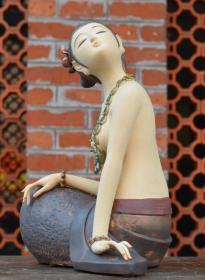 古典仕女陶瓷人物艺术品/大美之作,著名陶艺家罗勇字延国倾心力作