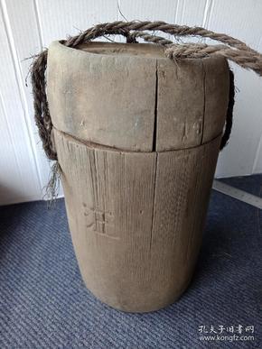 民俗老物件,红军当年使用的水筒,菜筒,饭筒一个,品好