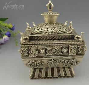 精雕銅鎏銀四方爐一個  高16cm  重約1600克,