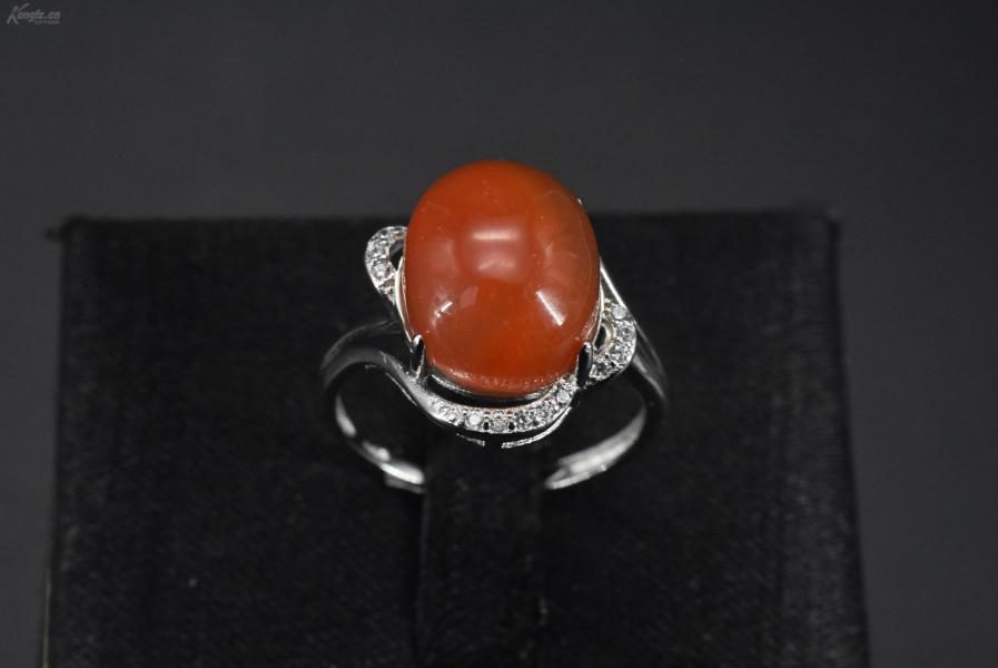 (VA0337)《南红饰品》戒指1只 纯天然 南红戒面尺寸:12*11mm   925银戒托 戒指大小可调整 总重量3.33克 。