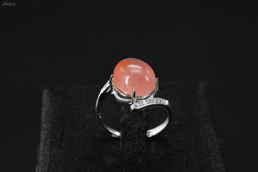 (VA0375)《南红饰品》戒指1只 纯天然 南红戒面尺寸:10.8*9.2mm   925银戒托 戒指大小可调整 总重量2.82克 。